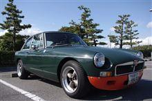 '75 MGB-GT 売りたしです。