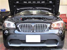 BMW X1  LUXI LEDイカリングバルブ取り付け
