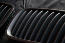 数量限定セールっ!BMWマットブラックキドニーグリル