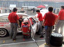 もてぎEnjoyミニ耐久レース:すばらしいチームでハンドルを握る