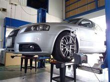 トータルアライメント調整&エンジンオイル交換...AUDI A3..ブリッツZZ-R車高調整