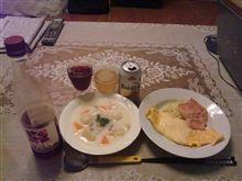 クリームシチュー+チーズオムレツ+リラ