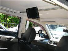[エクシーガ] ガラスルーフ車の天井にリヤモニタを設置(その4. 取付改善)