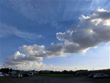 まだまだ夏の雲