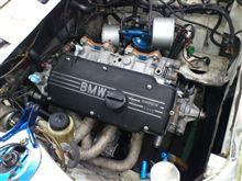 BMW2002 ☆ 名エンジン収まる。