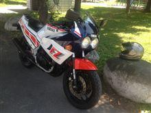 やっと自分のバイクを直すの巻 (FZ400R) そして、待ち人来ず・・・(怒)
