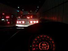 志和トンネル内渋滞中