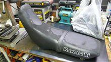 KLXのシートを張り替え。