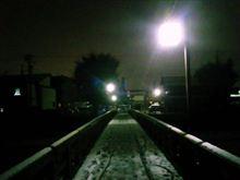 『氷菓』スレ民が高山市限定ポストカード発売日に初雪の岐阜県高山市を聖地巡礼・・・雪の降る夜の不動橋などアニメのシーンそのままで素晴らしい♪ 飛騨高山、気になります!