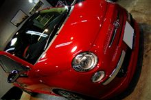 街の人気者はこちらです!FIAT500のガラスコーティング【ラディアス川崎】