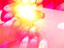 ☆ レーザーポインターの赤色レーザービームをカメラで覗いてみました・・・・。直視したらヤバイぜよ・・・。