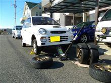 旧車が集う休日(ヨタハチとヤマハXS650とスバル)