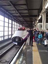 東北新幹線の盛岡駅でのはやて号、こまち号の連結