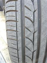 タイヤって、5年ぐらい経つとひびが!?