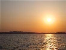 猿島付近から見た夕日と富士山