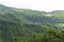大毛無山に季節限定の滝が現る。
