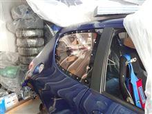 【軽量化】Rrサイドガラスをアクリル化