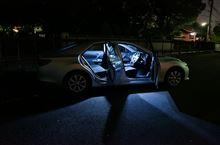 新型マークXにカーボン、ルームランプ取り付けました