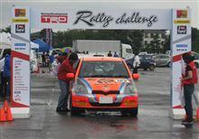 ラリーカーフェスタ2013・場所 富山県南砺市イオックスアローザ駐車場の模様