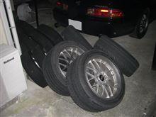 久しぶりの給油とタイヤ交換