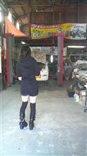 ガレージに女子が来た!