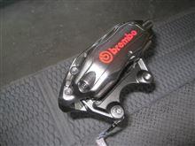 【田中オートサービス】33ブレンボキャリパーをハイパーブラックに塗装