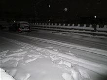 深夜の雪かき。