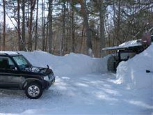 車庫前の雪かき