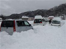 今週末は大雪で立往生、車中泊3日過ごしましたヨ