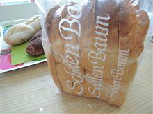 山型食パンと牛乳(´д`*)