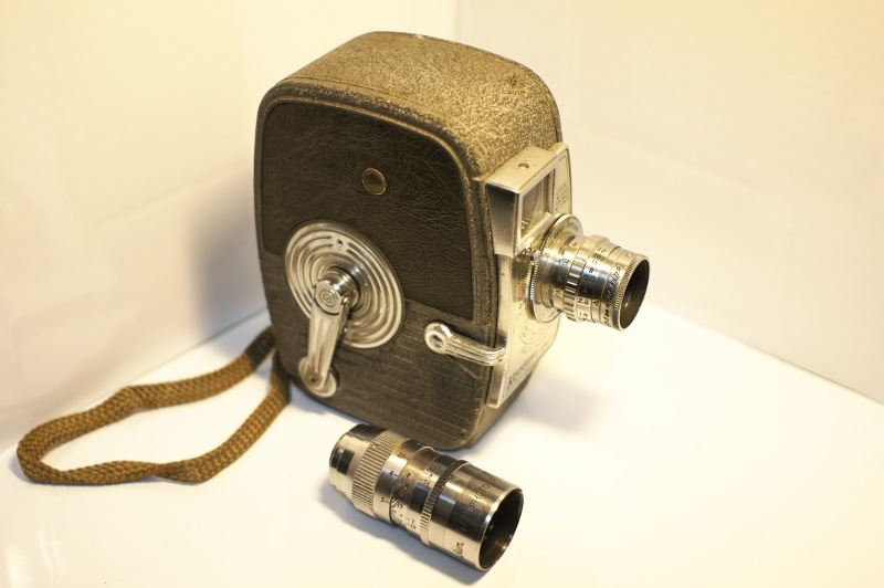 Keystone CAPRI K25(8mmカメラ)とPENTAX Q10」!ビアンキ!の