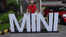 今回のミーテイングはNEW MINIの展示会!