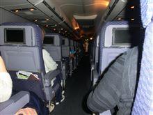 アメリカ合衆国の飛行機でお酒飲むのにクレジットカード必需です