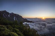 初の北アルプス-後編- 雲海の来光と剱立山、槍穂高の大絶景