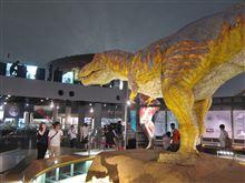 夏休み旅行は恐竜とプール(1)恐竜博物館