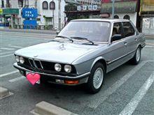 古きよき BMW 528 e