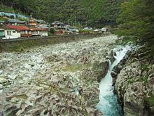 和歌山県古座川町小川(滝の拝)