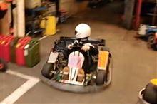 ゴーカートで見せた少年の駐車テクニックが超ハイレベル。