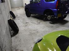 青ジムニーのタイヤをオールシーズンからスタッドレスに交換(ODO 128600km)