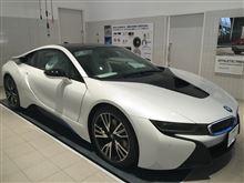 BMW i8, それは....