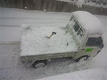 今シーズン初?雪下ろし