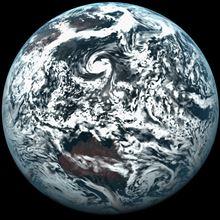 地球は青くなかった?