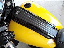 CVOヘルメットとマフラー
