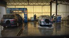 さて今日はお決まりの洗車!
