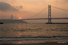 夕暮れの明石海峡大橋 ~ 今年の写真は今年のうちに(笑)
