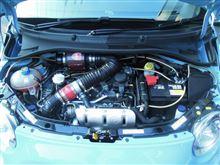 アバルト595/595Cにスポーツエアクリーナー装着してエンジンレスポンス向上