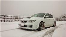 雪とインプレッサ