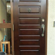 この間の玄関ドア