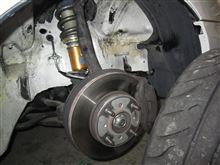 白号インテグラ、Fバネのプリロード調整&練習用タイヤを組み換えされる。