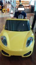 フェラーリに乗りました。